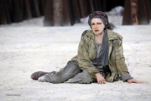 """La vittoria delle donne sulla guerra. """"Le Troiane"""" al Teatro Greco di Siracusa"""