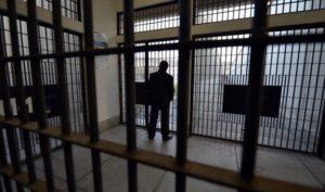 Chiuso il reparto del carcere di Torino in cui si suicidò Mussa Balde. Il dossier del Garante dei detenuti