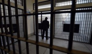 Inchiesta carceri, i pugni nel muro