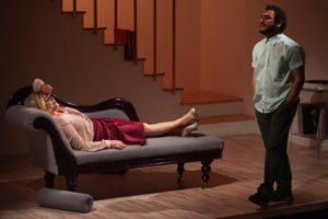 """Una guerra fredda intima ed esistenziale: """"Lo psicopompo"""" di Dario De Luca a Primavera dei Teatri"""