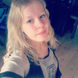 Una ragazza di 17 anni devastata psicologicamente che sceglie di morire, ci procura un trauma d'impotenza