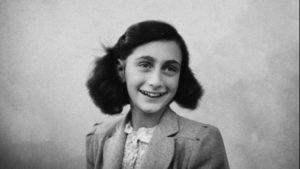 Anna Frank compie 90 anni. Maratona di lettura del suo Diario a Venezia
