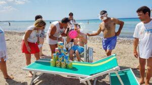 """Diversamente abili in spiaggia con """"spiagge senza barriere"""". Ad Ostia la prima edizione del progetto di inclusione sociale"""