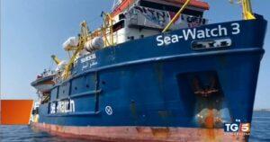 Sea Watch, battaglia navale della politica. Come l'hanno raccontata i Tg?