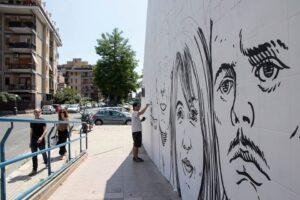 """Ostia. Cancellati dal murales alcuni volti, tra cui quello di Federica Angeli. Vender: """"censura gravissima"""""""