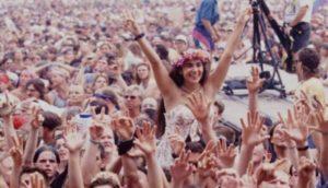 50 anni fa Woodstock. Il primo grande raduno rock. E non solo