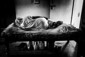 """Chieri, il 10 ottobre presentazione del progetto fotografico """"I was my husband"""": il riscatto delle vedove indiane"""