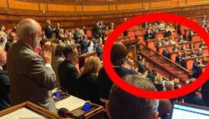 Il fascismo siede in Parlamento, perché è diffuso nel Paese