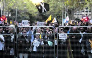 Catalogna. Riesplodono le proteste in piazza. Il 10 novembre elezioni in Spagna. Una sfida per la democrazia