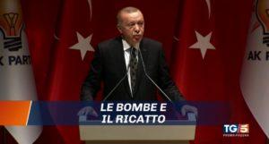 Siria, l'informazione si schiera contro il ricatto di Erdogan. Gli Esteri oscurano la politica italiana