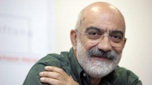 Turchia, torna in cella Ahmet Altan. Arresto beffa per lo scrittore turco a otto giorni dalla scarcerazione