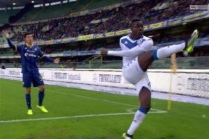 Non lasciamo solo il calcio: il razzismo è un male sociale