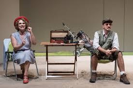 L'attesa di un nemico chimerico. 'Arizona', con Laura Marinoni, al Teatro Elfo Puccini di Milano