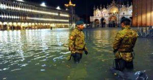 Venezia. Distruzione e sofferenza. Materiale e umana