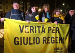 """""""Verità e giustizia per Giulio Regeni"""". Migliaia di fiaccole in tutta Italia"""