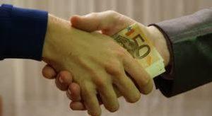 La questione immorale. La corruzione è specchio della nazione