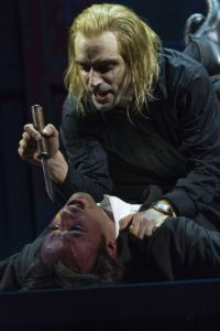 'La tragedia del vendicatore', al Piccolo Teatro castigo e crudeltà a ritmo di swing