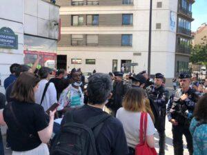 Parigi, fermato e identificato giornalista napoletano che seguiva una manifestazione