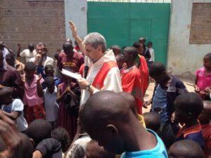 """Minacce a Silvia Romano. Padre Latorre: """"rischiamo di diventare anche noi fondamentalisti"""""""