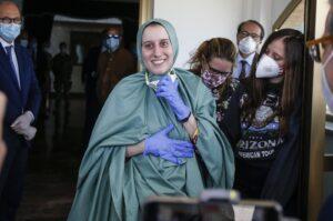 L'odio contro Silvia Romano arriva fino in Parlamento. Deputato della Lega: è una terrorista. E intanto la giovane finisce nel mirino