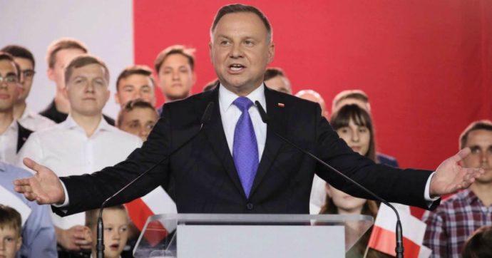 In Polonia rieletto il Presidente Duda: proteste dell'opposizione di sinistra