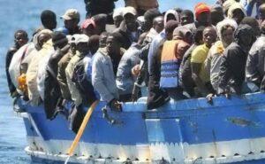 65 dispersi in mare. Centro Astalli: soccorrere ed evacuare subito i migranti dalla Libia