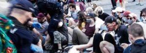 Polonia, arrestato e poi rilasciato attivista Lgbt italiano arrestato con altre 47 persone