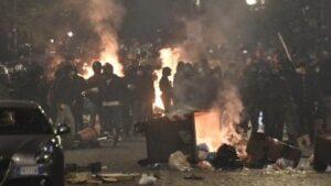 Napoli. Guerra civile all'annuncio del lockdown di De Luca