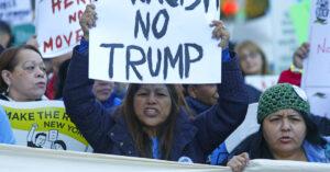 Il pugno duro di Trump contro l'immigrazione e il voto dei latinos