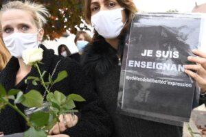 Francia, torna lo spirito di Charlie: tutto il paese in piazza per difendere la libertà di espressione
