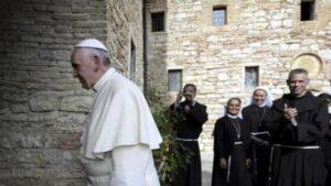 """Il Papa firma l'enciclica """"Fratelli tutti"""" ad Assisi"""