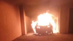 Palmi (RC), incendiata l'auto di Enzo Infantino presidente della fondazione per il progetto Riace