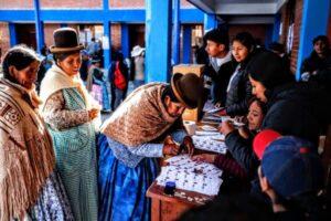 Oggi la Bolivia vota, ultima possibilità del MAS per scongiurare la restaurazione in atto