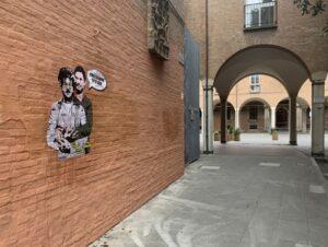 Il poster della street Laika a Bologna: Giulio Regeni e Patrick Zaki