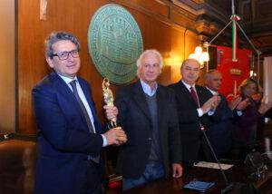 Trieste, San giusto d'oro 2020 ad Andrea Segrè, targa speciale a Giovanna Botteri