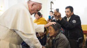"""Papa Francesco: """"I poveri sono il centro del Vangelo"""""""