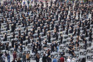 """Tiziano Rossi organizzatore di """"Bauli in Piazza"""" a Milano: 1300 tecnici e 550 bauli per difendere lo Spettacolo"""