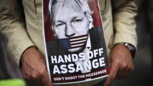 L'inviato delle Nazioni Unite contro la tortura chiede il rilascio immediato di Assange dopo 10 anni di detenzione arbitraria