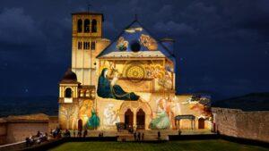 Assisi, città-Presepe per Natale 2020. Rivivono gli affreschi di Giotto. Una statua infermiera simbolo anticovid