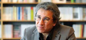 Turchia, condannato a 27 anni Can Dundar per le sue inchieste sui traffici di Erdogan