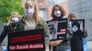 """Loujain, Raif, Jamal: le loro storie ci dicono cos'è davvero il """"Rinascimento saudita"""""""
