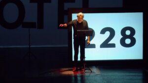 """L'autofinzione di Sergio Blanco: """"L'ira di Narciso"""" al Teatro di Rifredi"""