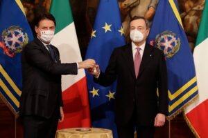 Da Conte a Draghi, un passaggio di consegne tra equilibrismi e speranze