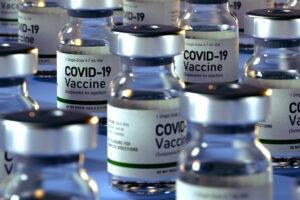 Pandemia, infodemia e sindemia: Covid-19 e vaccini