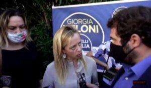 """Insulti al giornalista di Repubblica che ha scoperto i contatti tra Fratelli d'italia e il clan di Latina. """"Piccolo pezzo di fango"""""""