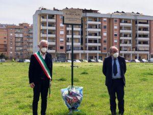 """""""Continueremo a cercare verità per Ilaria e per tutti i giornalisti uccisi"""". A Latina fiori nella piazza intitolata alla Alpi"""
