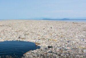 Oceani di plastica. Differenziarsi dalla differenziata