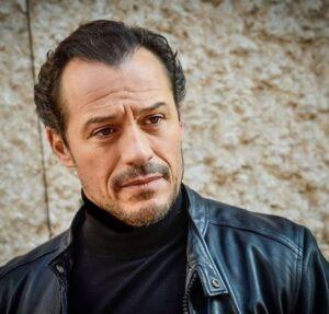 Stefano Accorsi, cinquant'anni di storie e coraggio