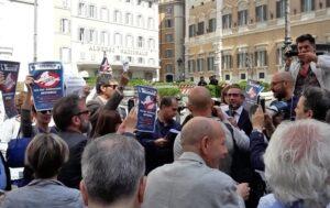 La mobilitazione dei giornalisti italiani continua