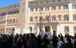 'Un futuro per l'informazione', le piazze della mobilitazione del 1°giugno. Prima tappa sabato a Bologna